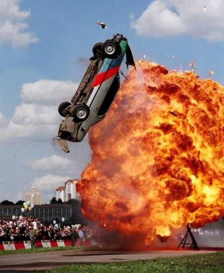 a96717_a468_burning-stunt-car