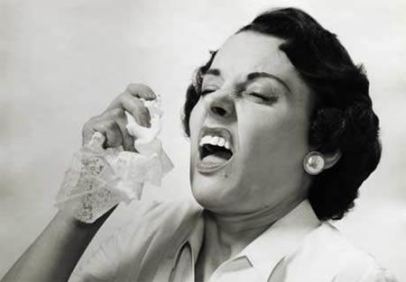 a96718_a469_sneezing
