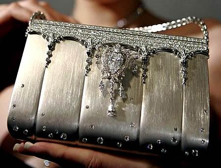 a96729_Diamond-Handbag