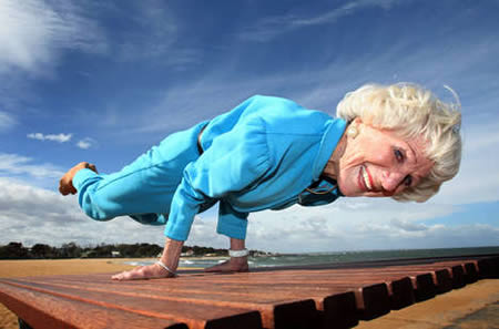 a96747_a486_yoga-instructor