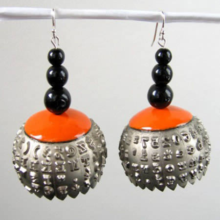 a96765_a485_recycled-typewriter-ball-earrings