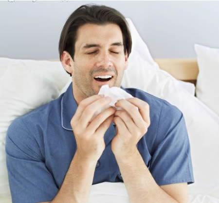 a96773_a489_man-sneezing